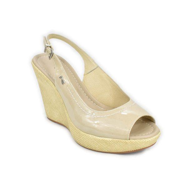 NeroGiardini – Sandali in pelle lucida beige con zeppa