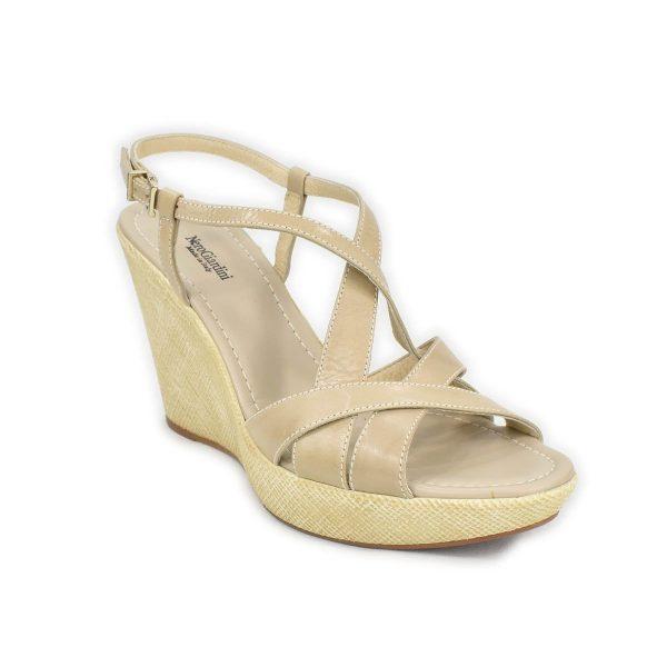 NeroGiardini – Sandali in pelle beige con zeppa, motivo incrociato