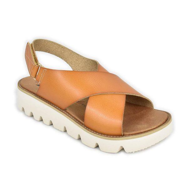 Xti – Sandali in marrone cuoio con ampie fasce che si incrociano sul piede