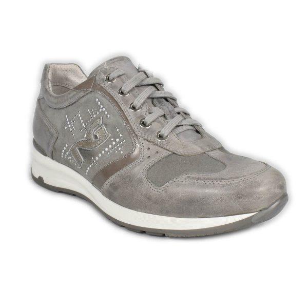 NeroGiardini – Sneakers in pelle scamosciata grigia con strass