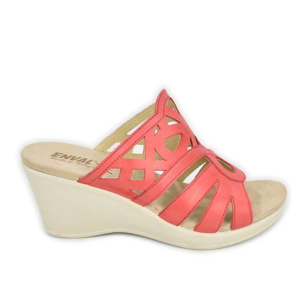 Enval Soft – Sandalo a ciabatta con zeppa alta in pelle rosso corallo