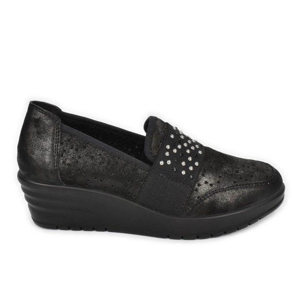 Enval Soft – Scarpa elasticizzata in pelle nera traforata con zeppa comoda