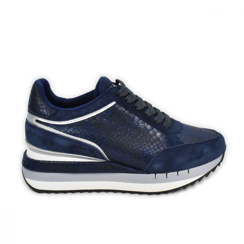Sneakers CafèNoir blu scamosciate con trama a squame laminate - FDN626
