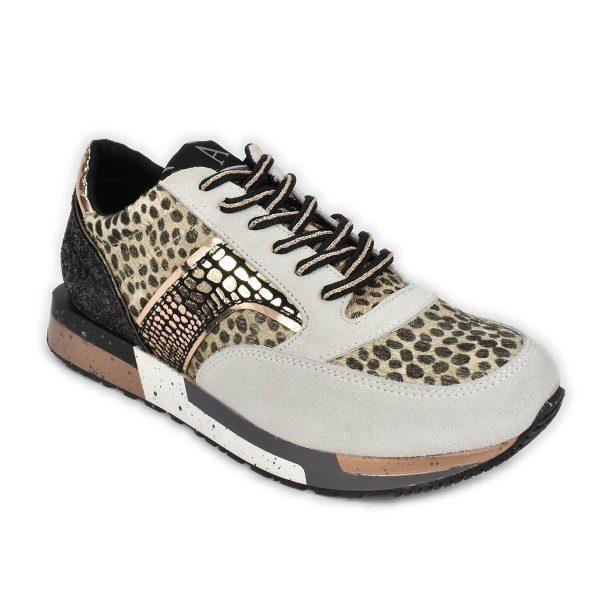 Sneakers in tono di beige con cavallino maculato – CafèNoir FDL607