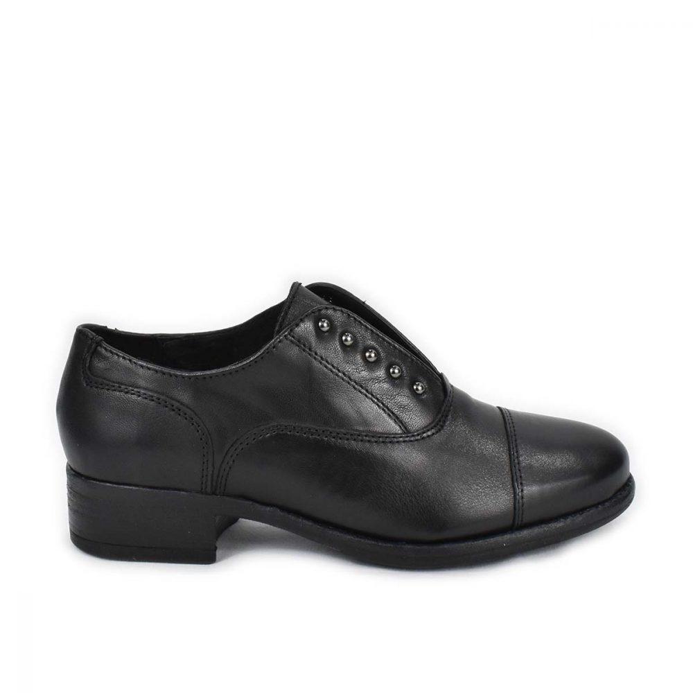 Slipon nero con tacco basso in pelle nera e borchiette - IGI&CO 6184300