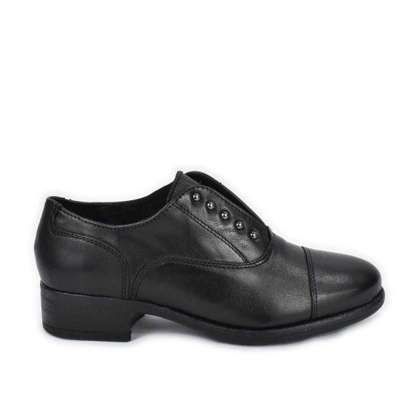 Scarpa Slipon con tacco basso in pelle nera e borchiette – IGI&CO 6184300