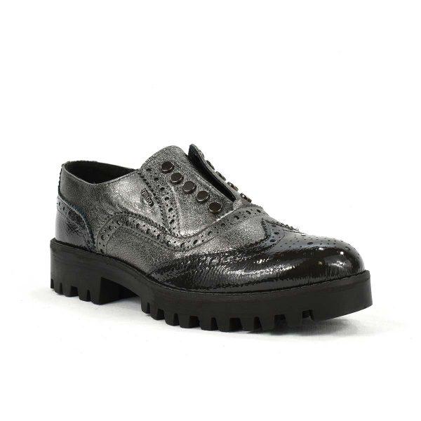 Scarpa bassa stile inglese in pelle lucida nera e grigio laminato – IGI&CO 2172311