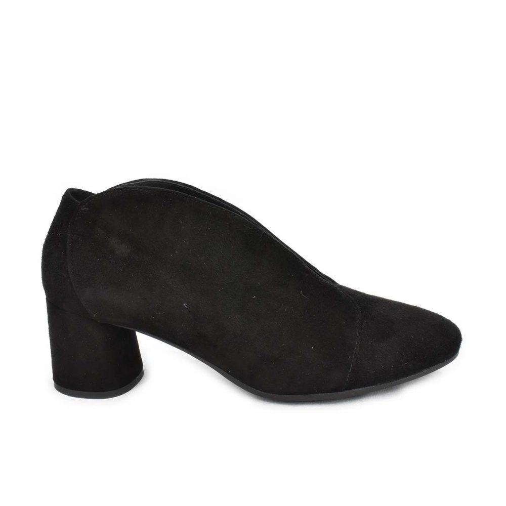 Scarpa scamosciata nera con tacco medio - IGI&CO 4185311