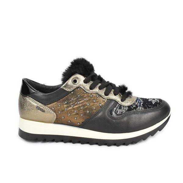 Sneakers nera e bronzo con borchiette e pelliccia- IGI&CO 2147933